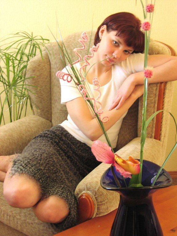 Девятнадцатилетняя леди согласна снять бельё в кресле
