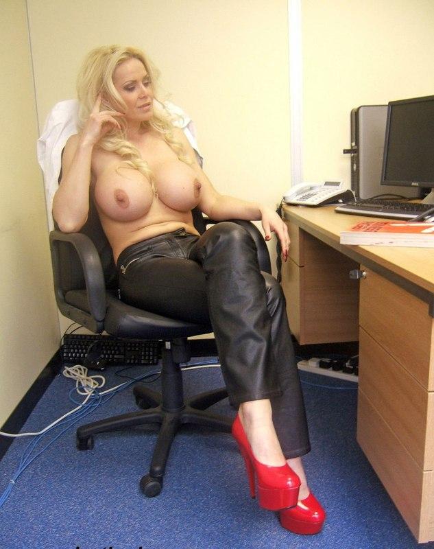 Порно супер секретарша большая грудь — img 6