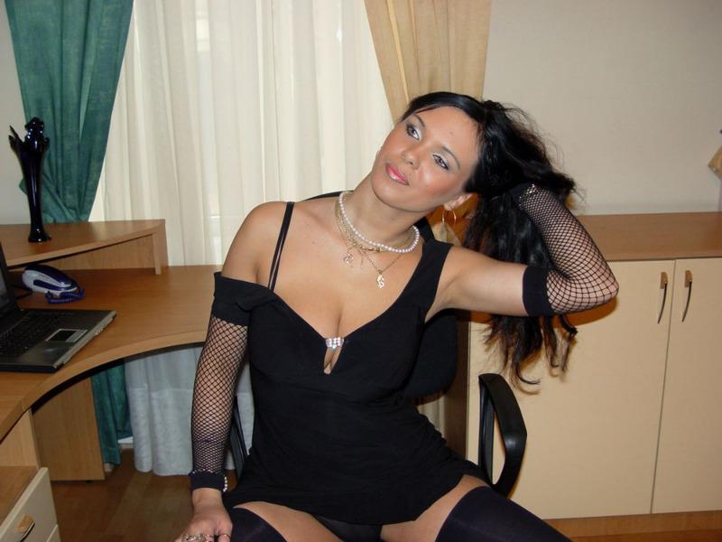 Опытная Брюнетка Превосходно Смотрится В Черном Белье Порно И Секс Фото С Мамашами И Мамочками