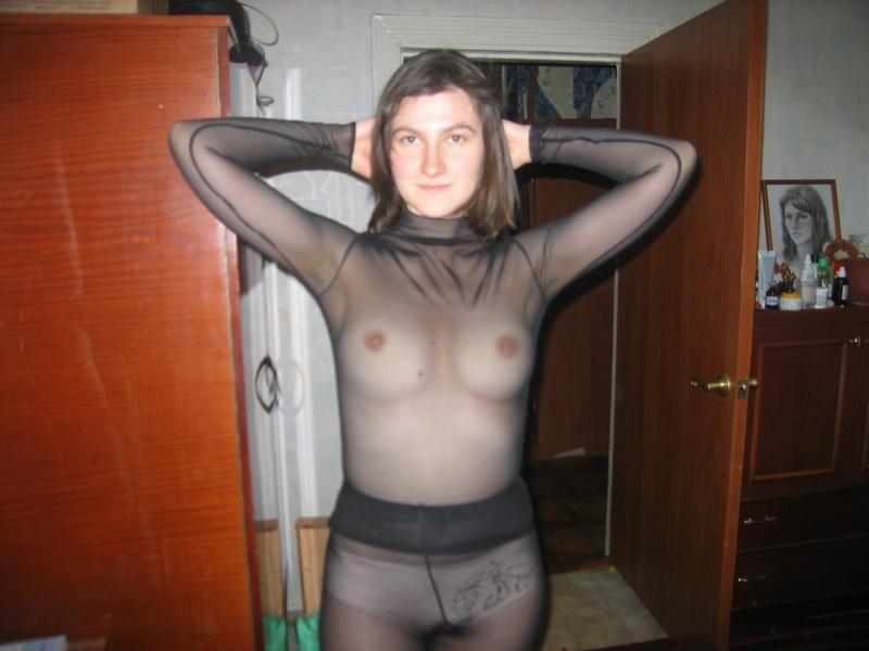 Усач любит снимать голую жену на фото