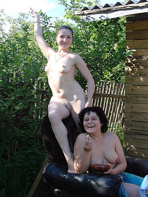Семейно 5 Порно В Деревенской Бане Втроем