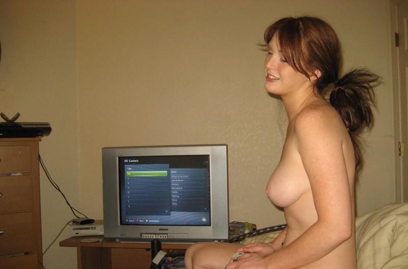 Парень пригласил сожительницу домой чтобы играть в игры
