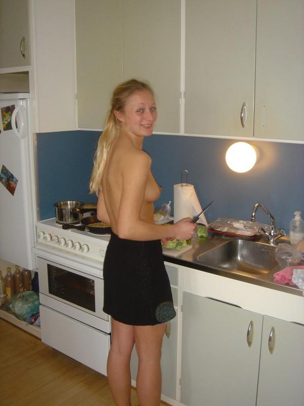 Привлекательная путешественница пришла домой и поебалась с мужем