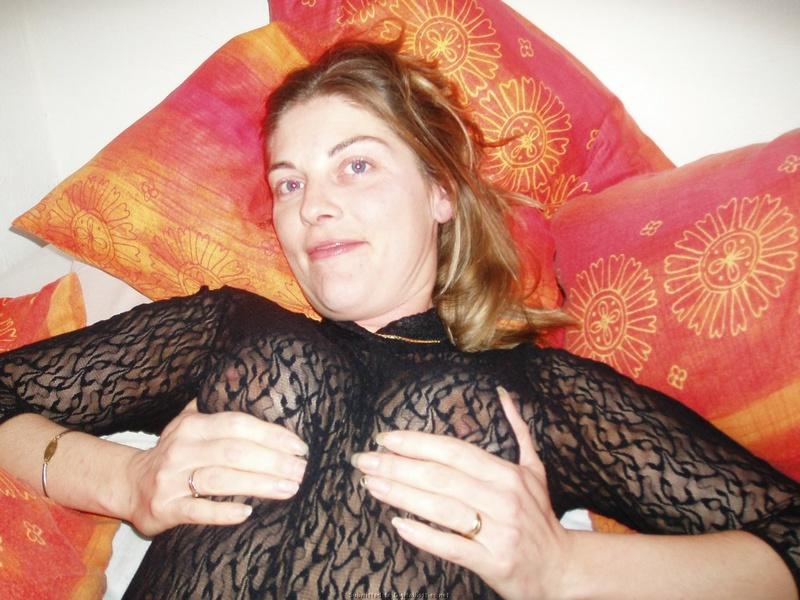 Горячая Дамочка Радуется Большому Члену Перед Минетом Порно И Секс Фото С Зрелыми Дамочками