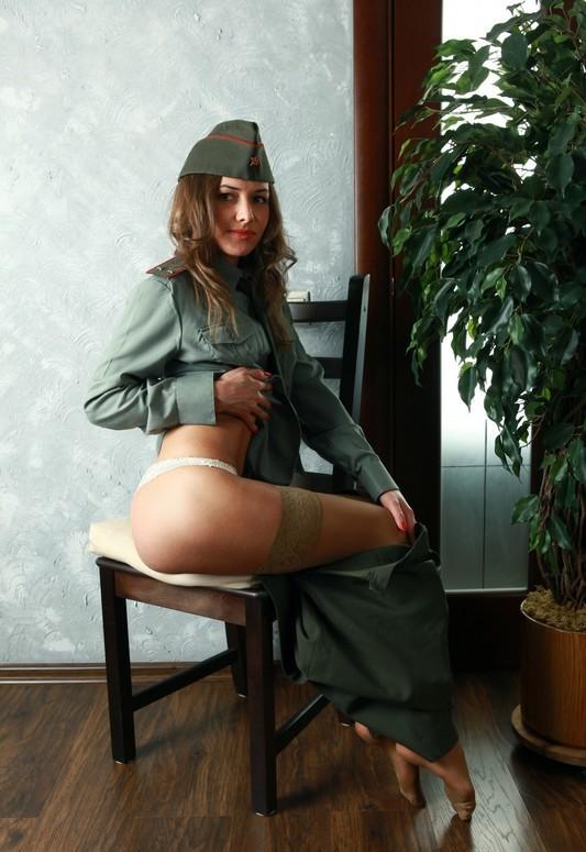 Порно секс с военослужащей