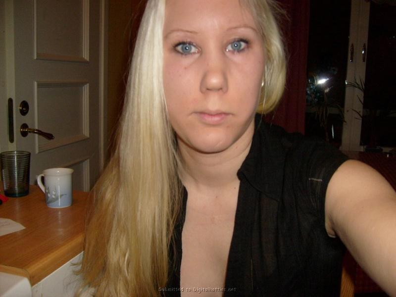 Блондинка хочет фотографироваться
