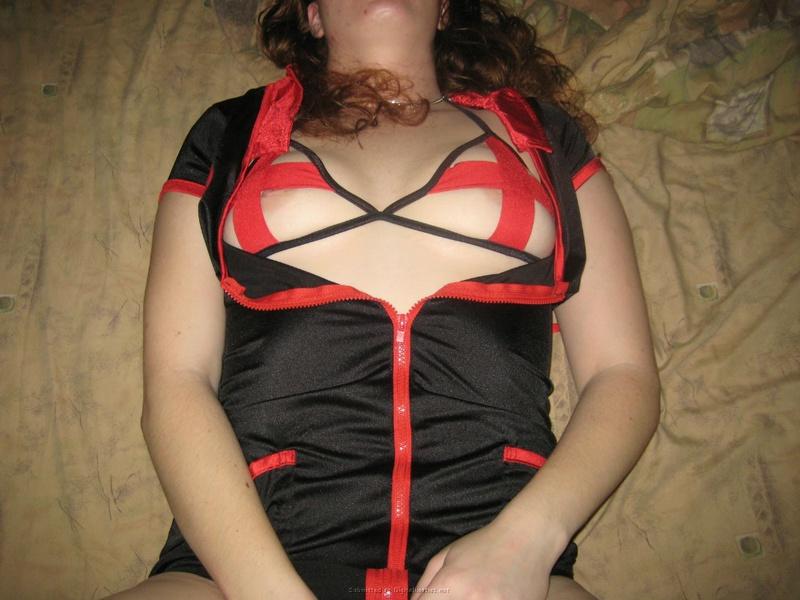 Телка надела сексапильный наряд перед оральными ласками