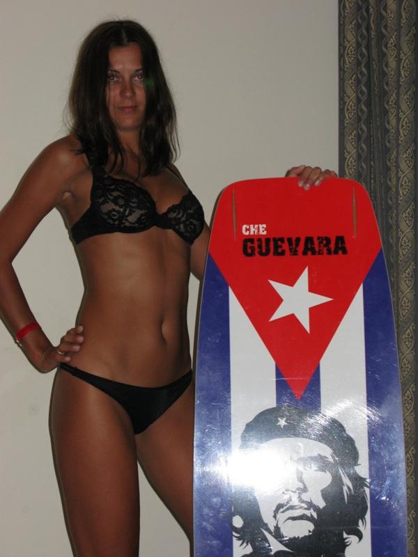 Шикарная профурсетка шалит на Кубе смотреть эротику