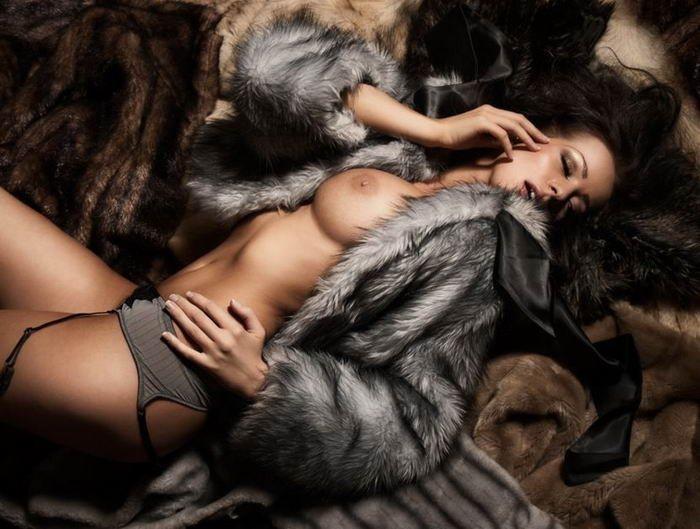 Обнаженная красота похотливых актрис с отличными сиськами