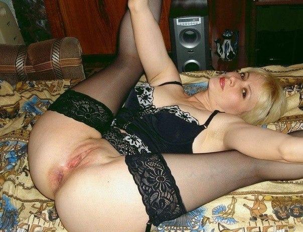 Великолепная дамочка обожает развратно проводить свободное время