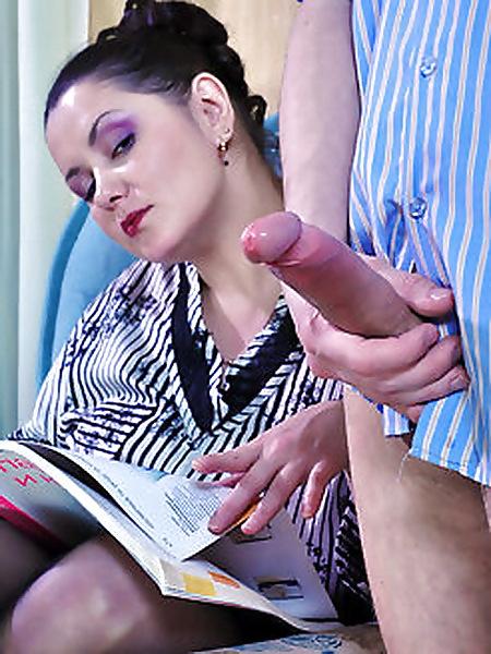 Тамара Ивановна завела своего студента