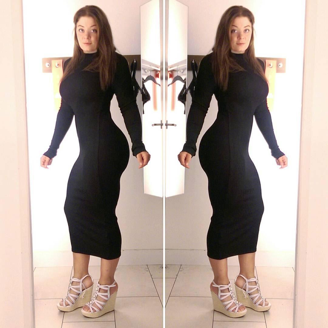 Большежопая особа бродит только в обтягивающих платьях