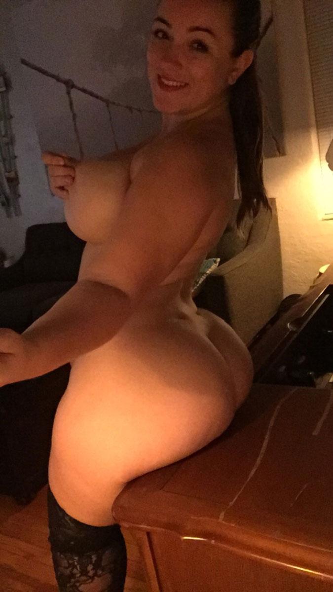 Аппетитные девчонки делают пошлые селфи | порно и секс фото с ...