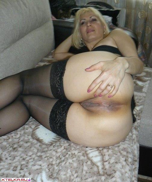 Изящные мамочки не против снимать трусы в свободное время