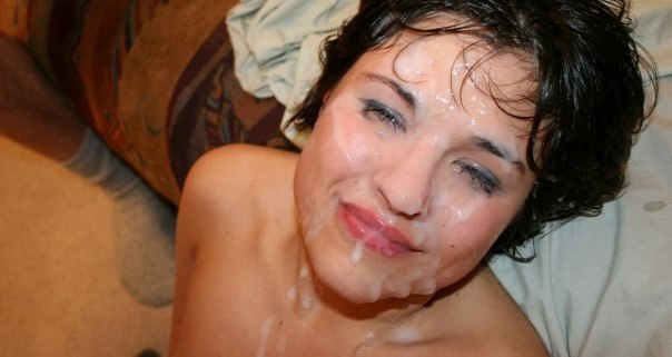 После минета сосочки получают немало спермы в рот смотреть эротику