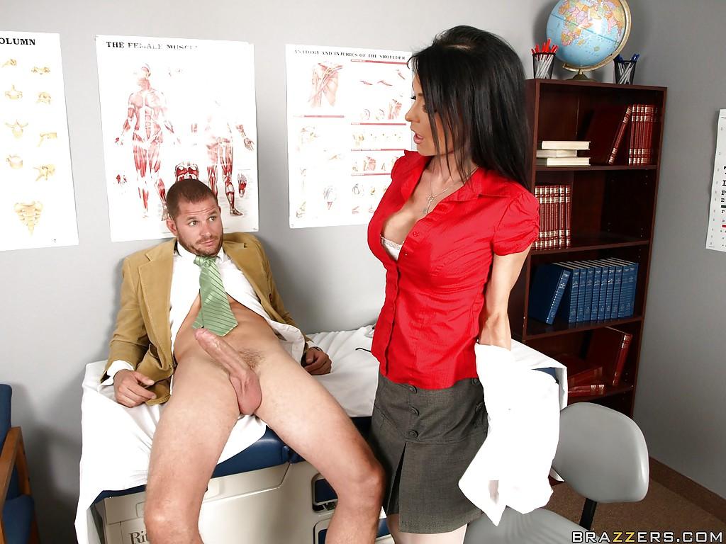 Картинки девушки обнажонные врачи медсёстра скорай помоши