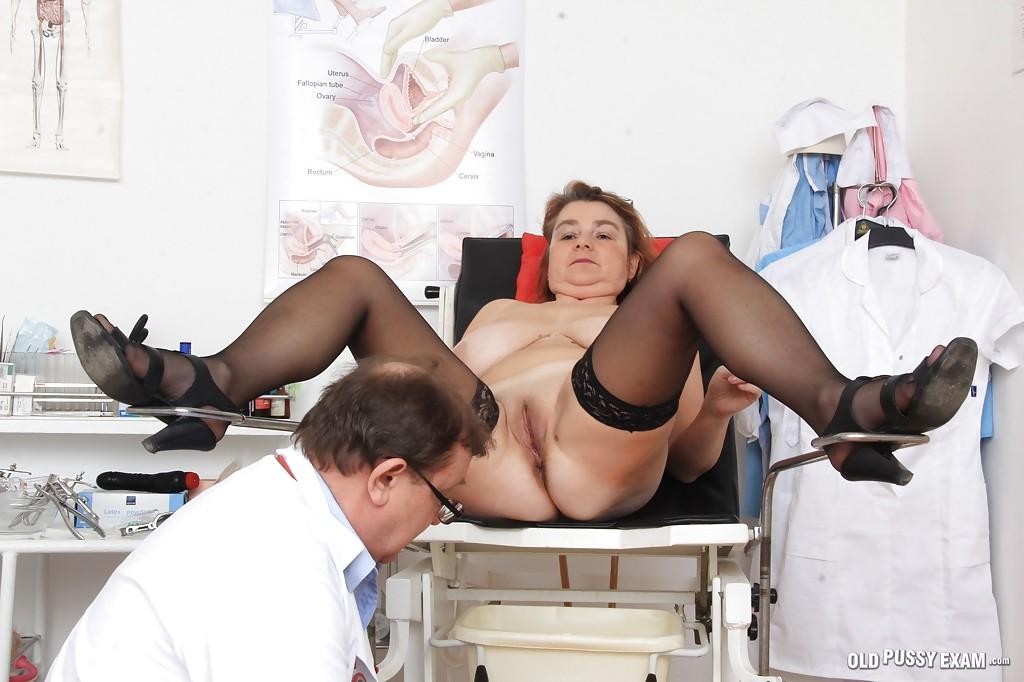 Доктор осмотрел пилотку пышной пациентки