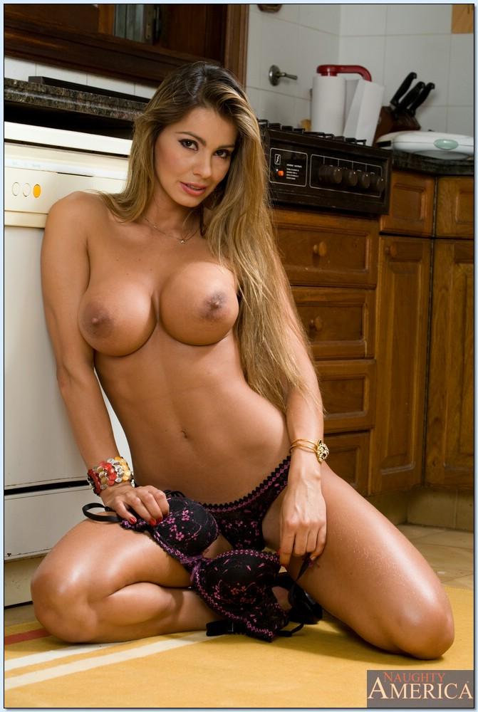 Домохозяйка отвлеклась от готовки обеда