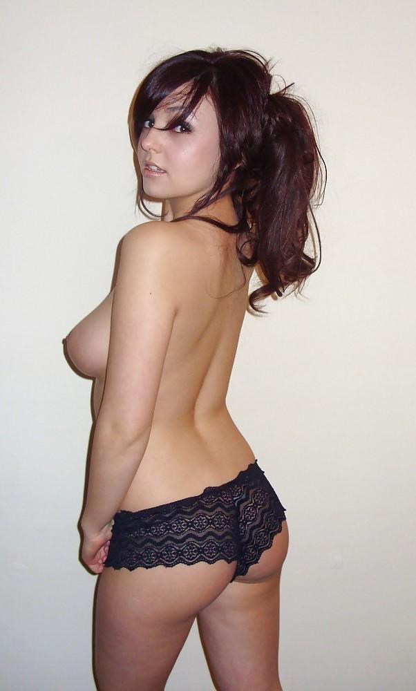 Подборка баб с голыми титьками