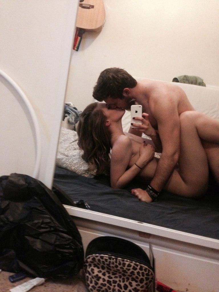 Молодожены снимают свой секс в разнообразных ракурсах