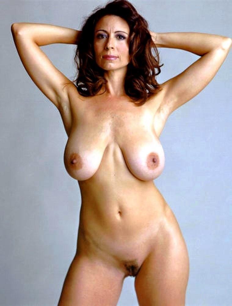 Бывшие супермодели выставила напоказ свои голенькие тела
