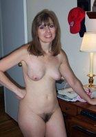 Зрелые жены светят голыми пилотками и грудью, когда мужей нет рядом 9 фотография