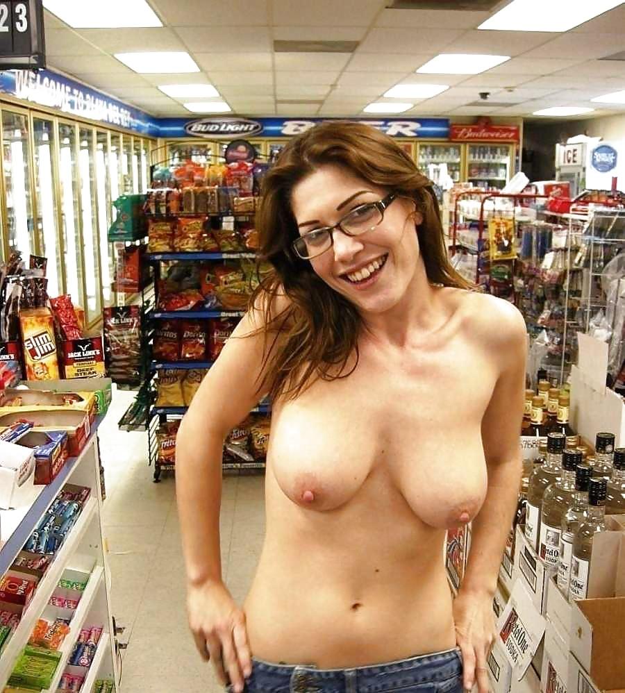 Pussy upskirt in public