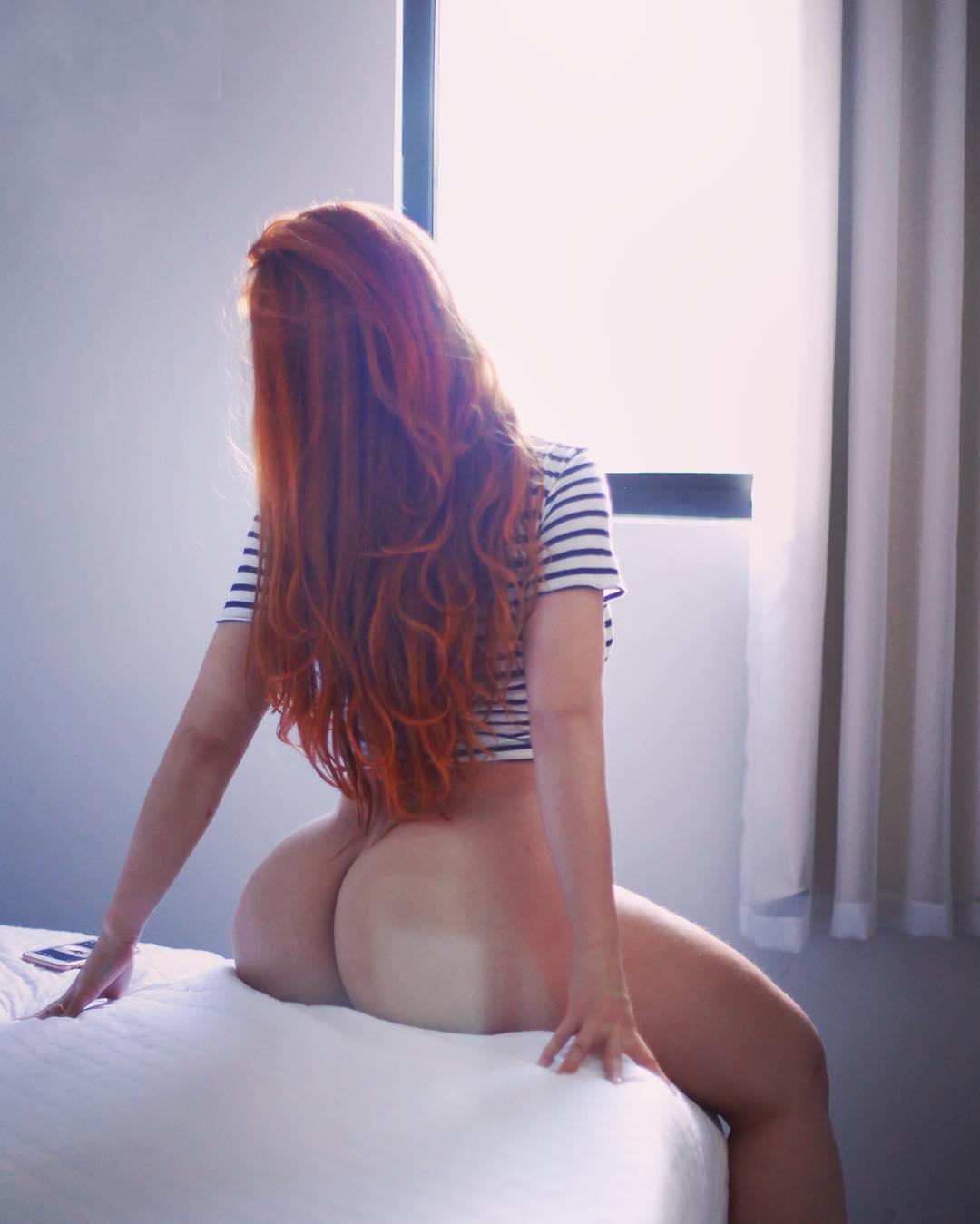 Рыжие девушки показали себя в одежде и без нее смотреть эротику