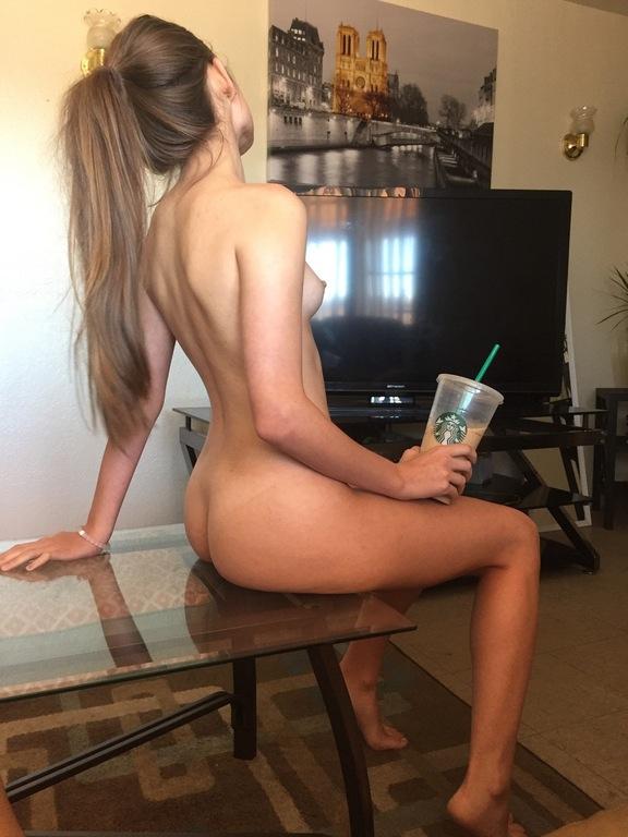 Американки обожают дразнить парней голыми сиськами
