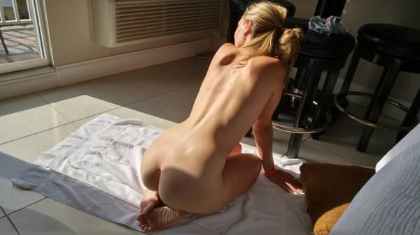 Роскошные попы домохозяек без бикини смотреть эротику