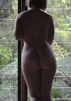 Девушки раком показывают большие задницы 15 фотография