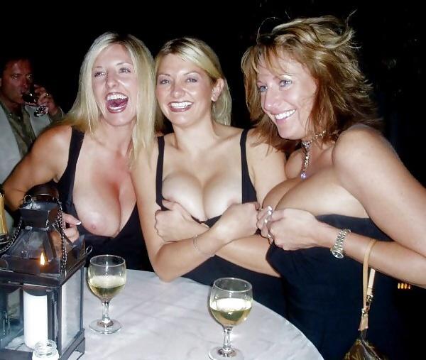 Мамы сфотографироваи мясистую грудь и крупные клиторы