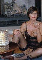 По выходным взрослые женщины выставляют напоказ большие буфера 4 фотография