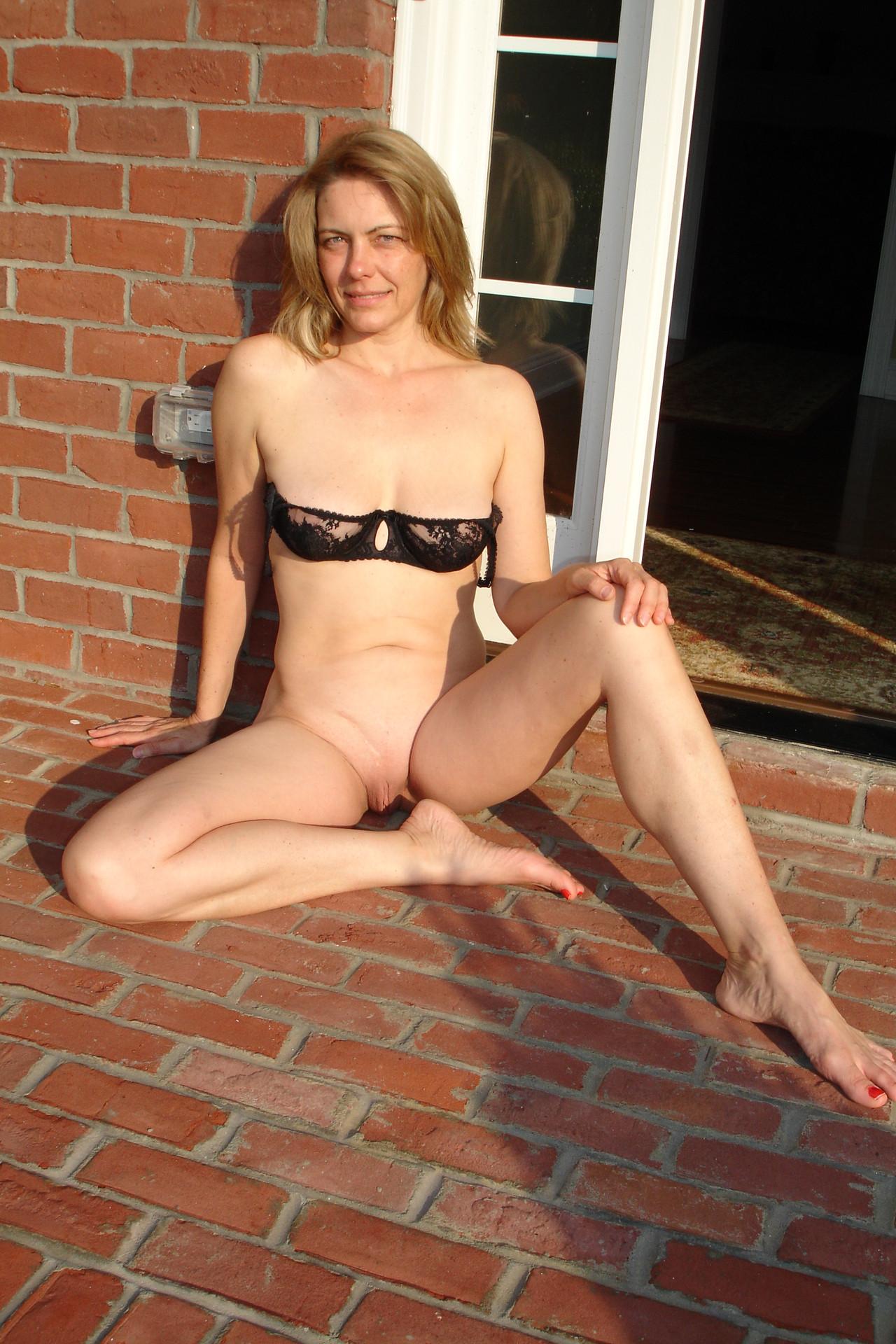 Милфы с огромными жопами сфотографироваи упругие дойки секс фото