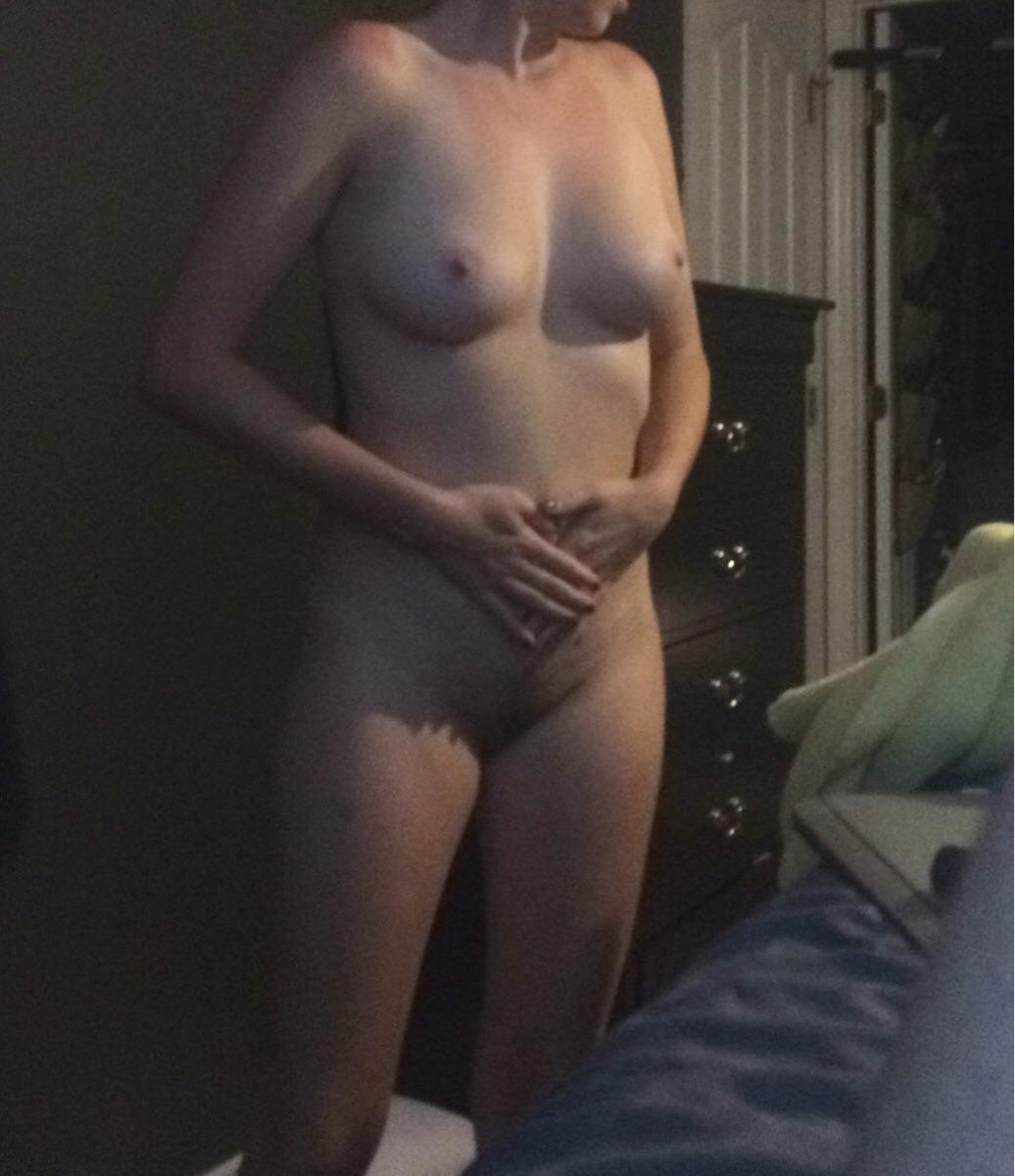 Мамки продемонтстрировала свои натуральные буфера секс фото