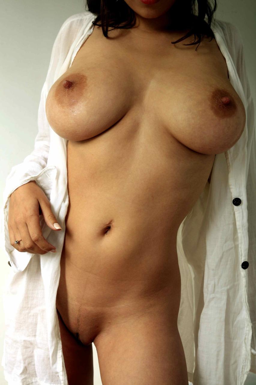Особы женского пола в возрасте бахвалятся стройными формами