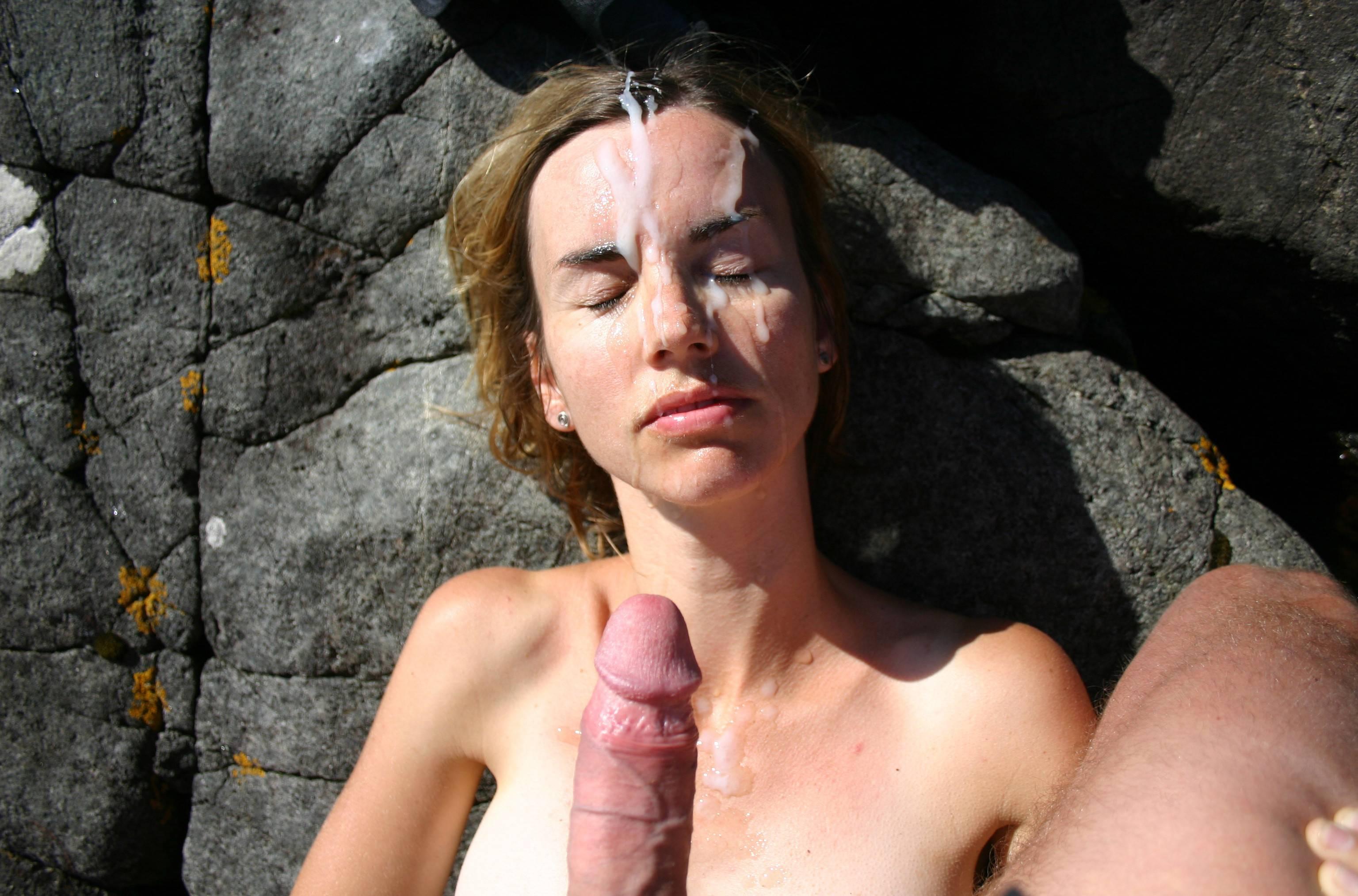 Домашние девки со кончёй на лице и теле секс фото