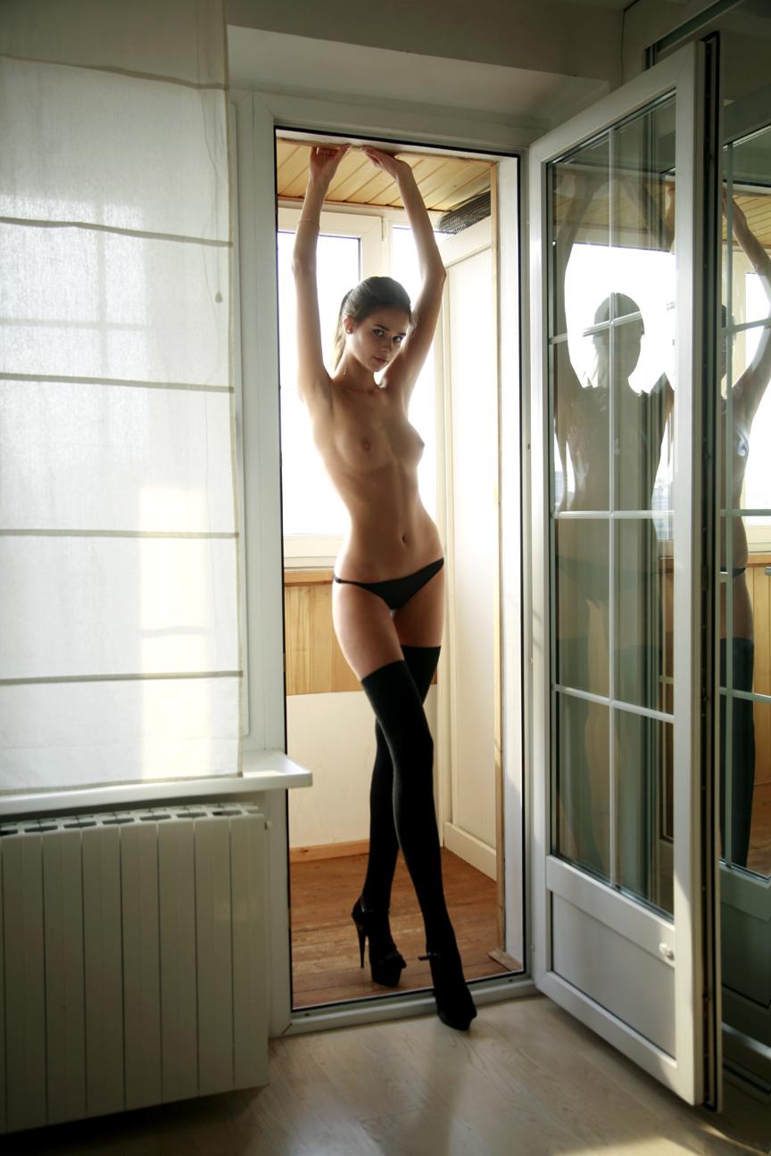 Любовницы надевают чулки, чтобы соблазнить мужчин