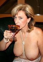 Горячие разведенки от 30 лет и старше с сайтов знакомств 1 фотография