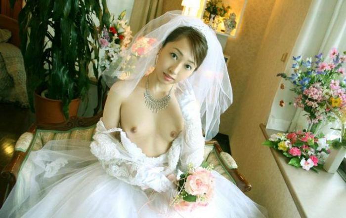 Даже невесты охотно красуются перед камерой