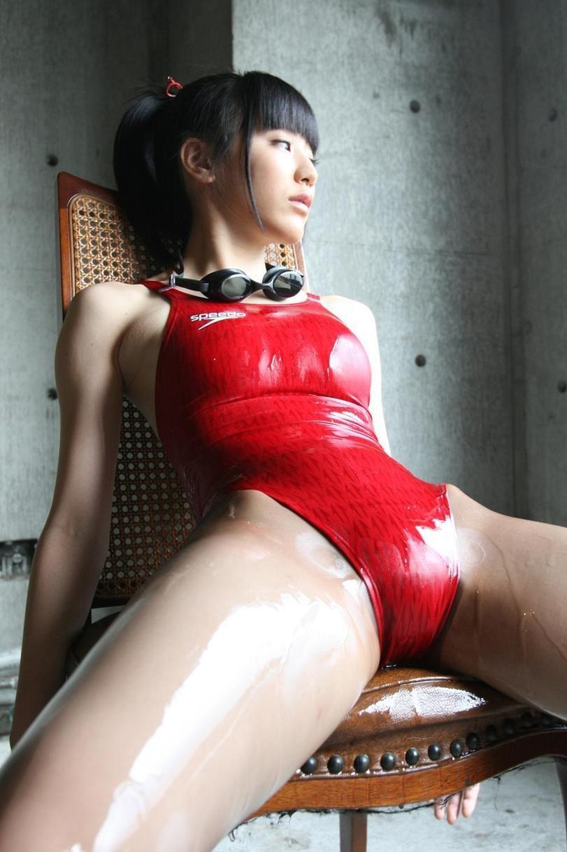 Сестры везде готовы демонстрировать свои красоты секс фото