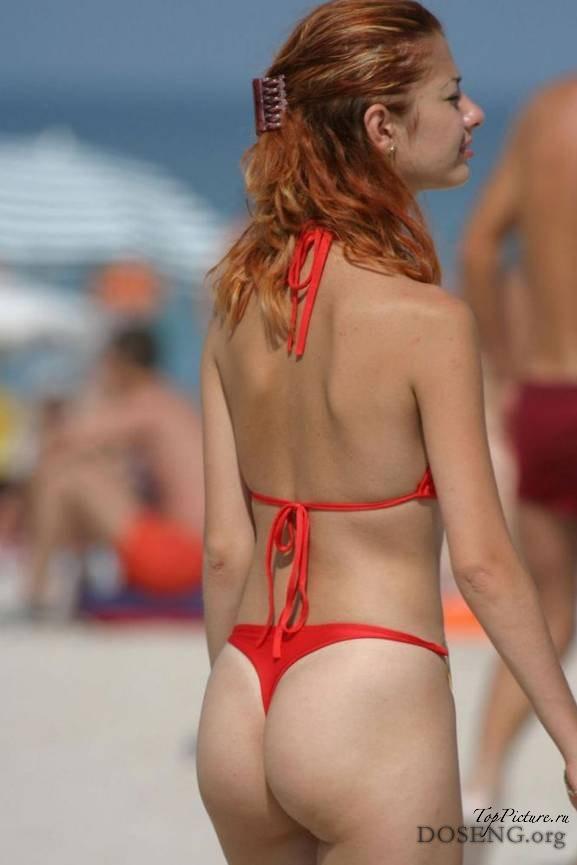 Девкам не стыдно загорать топлес на пляже