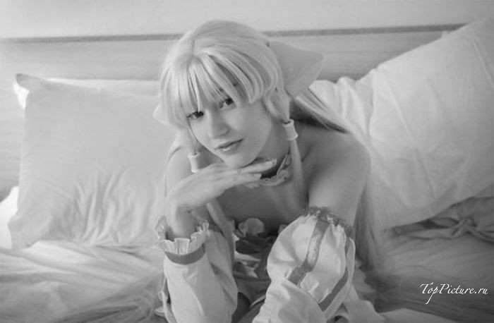 Юные девушки с узкими глазами сексуально косплеят разнообразных персонажей секс фото