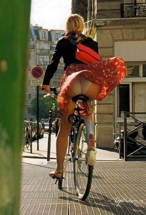 Возбужденные нимфы хотят кататься на велосипедах смотреть эротику