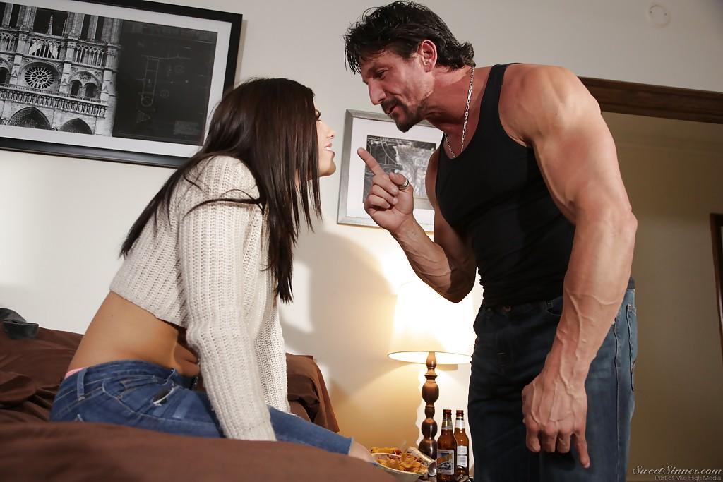 Муж делает куни жене и заработала от нее минет