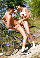 Трахнул велосипедистку
