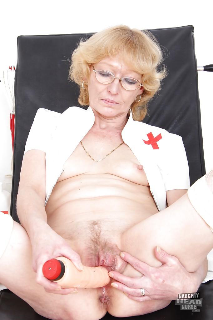 Фото раскрытого влагалища в кабинете гинеколога