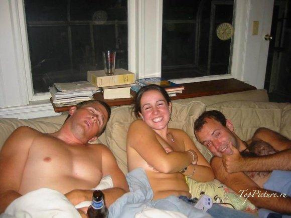 Пьяные вертихвостки веселятся на вечеринках