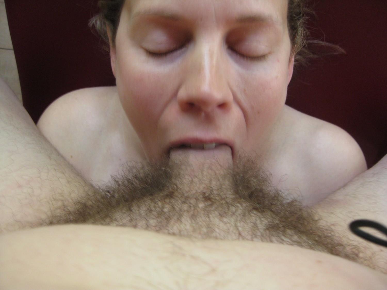 Зрелая жируха порет волосатую письку вибратором смотреть эротику