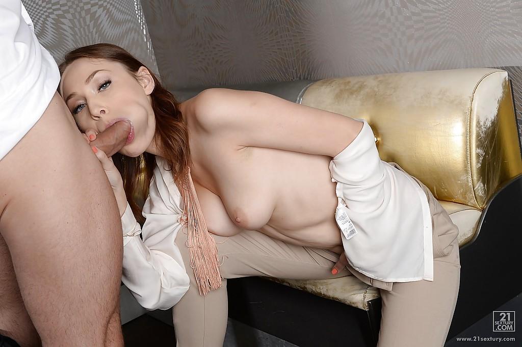 Секс с официантом кафе